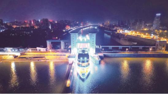 长江夜游成宜昌移动地标 但外地游客鲜少知道