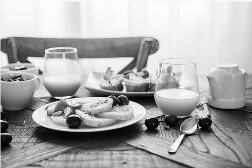 不吃早餐可能会导致成年人一天的营养摄入量不足