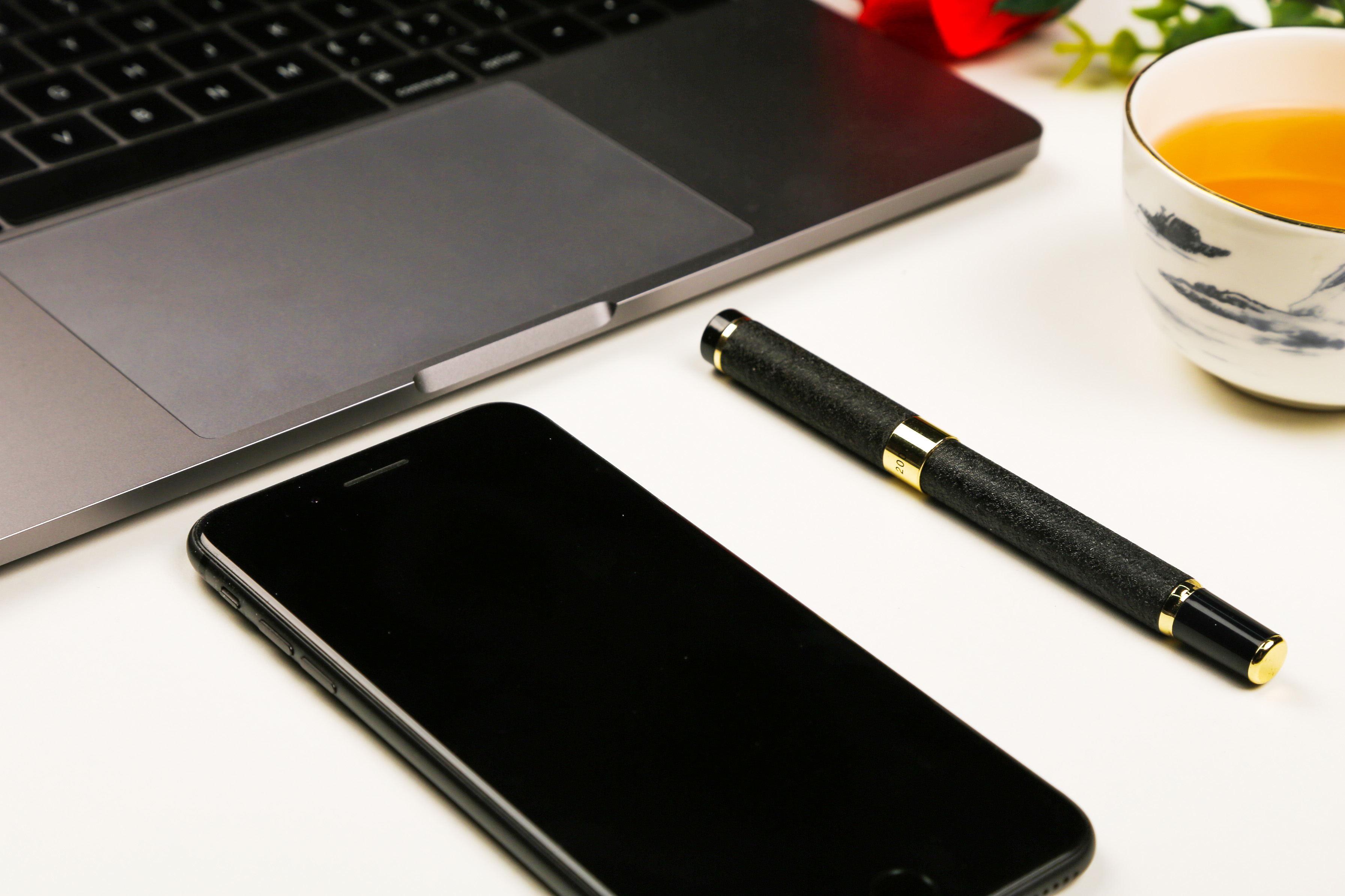 太原两名初中生发明了一款磁式盲文多点触摸阅读器