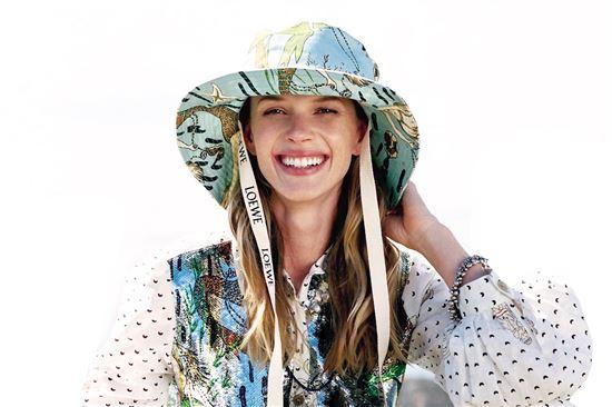 时髦又防晒的渔夫帽百变材质拗造型 宽窄随心酷感加倍