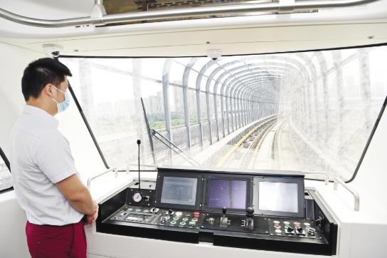 武汉首条全自动运行线路地铁5号线全线设站25座