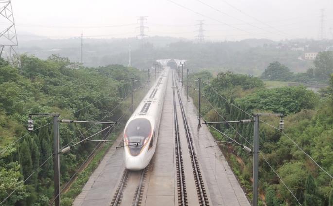 今日郑州铁路停运59趟担当旅客列车和2趟普速列车