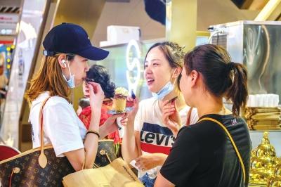 商场内冰淇淋冬天比夏天卖得更好 商场软冰店的机遇在哪里?