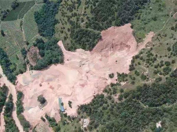 河南卢氏县一山体生态环境遭严重破坏 矿山修复疑走形式被叫停
