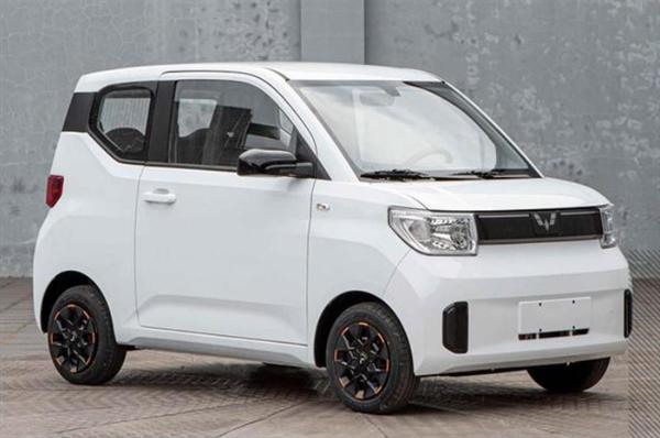 五菱宏光MINIEV新车型采用了全新的五菱银标Logo