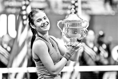 美网大满贯女单决赛见证了女子网坛一项新纪录的诞生