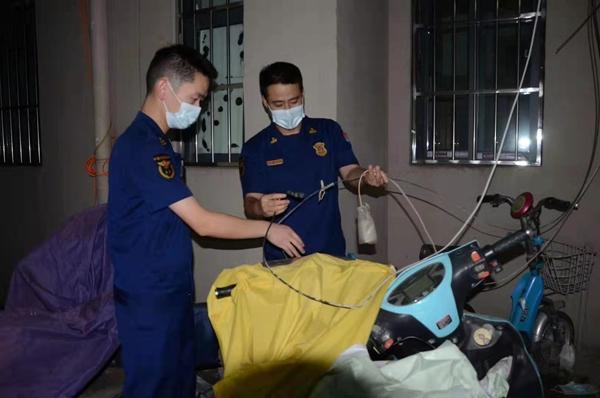郑州重点查处居民小区内电动车违规在楼梯间、门厅停放等行为