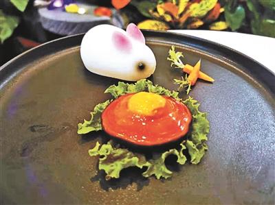 """""""月色菜""""、秋鲜菜成为今年京城老字号名店的中秋预订热点"""