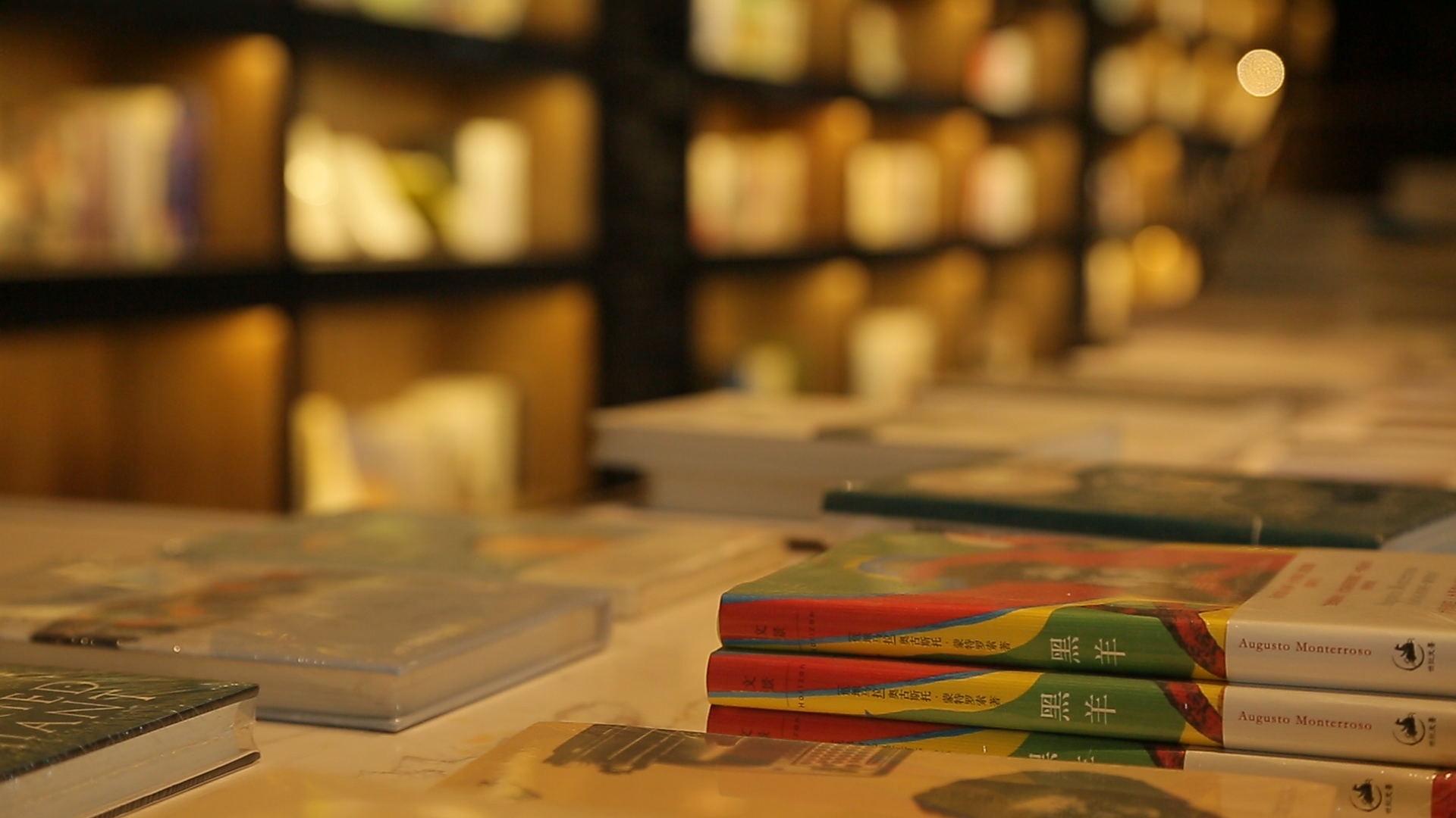 武汉图书馆闭馆维修 更换玻璃顶施工难度大
